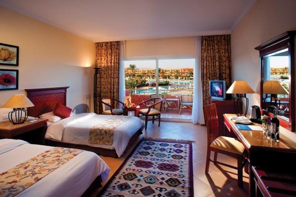 AA Amwaj Oyoun Hotel