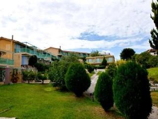 Daphne Hotel