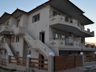 Grand Villas Studios & Apartments